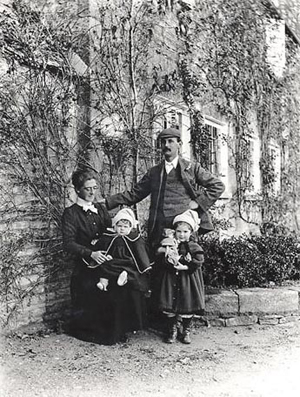 Sidney Barnsley with his wife Lucy and children